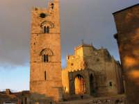 Duomo (sec. XIV) e Torre Campanaria (sec. XIII) - 14 luglio 2005   - Erice (1417 clic)