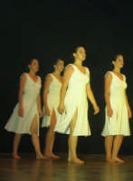 presso il Teatro Cielo d'Alcamo, il Saggio di danza, diretto da Rosanna Stabile - ARTE LIBERA - I Colori del mondo: LA PACE (foto 84)- 16 giugno 2007  - Alcamo (1171 clic)