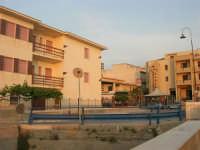 dal Belvedere: le case della periferia ovest - 1 giugno 2007   - Balestrate (1491 clic)