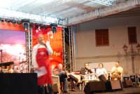 Cous Cous Fest 2007 - In Piazza Santuario Talk Food, presenta Sasà Salvaggio - 28 settembre 2007  - San vito lo capo (937 clic)