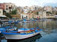 al porto - 8 maggio 2007  - Castellammare del golfo (911 clic)