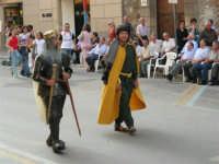 Festeggiamenti in onore di Maria Santissima dei Miracoli - Corso VI Aprile: corteo storico trionfale (fra Medioevo ed età Barocca) - 20 giugno 2005  - Alcamo (1517 clic)