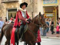 Festeggiamenti in onore di Maria Santissima dei Miracoli - Corso VI Aprile: corteo storico trionfale (fra Medioevo ed età Barocca) - 20 giugno 2005  - Alcamo (1483 clic)