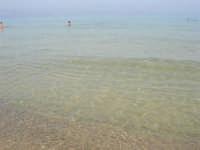 c/da Canalotto - calma assoluta: il mare piatto quasi si confonde con il cielo - 21 luglio 2007   - Alcamo marina (1176 clic)
