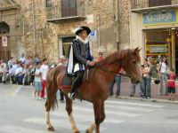 Festeggiamenti in onore di Maria Santissima dei Miracoli - Corso VI Aprile: corteo storico trionfale (fra Medioevo ed età Barocca) - 20 giugno 2005  - Alcamo (1439 clic)