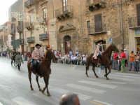 Festeggiamenti in onore di Maria Santissima dei Miracoli - Corso VI Aprile: corteo storico trionfale (fra Medioevo ed età Barocca) - 20 giugno 2005  - Alcamo (1576 clic)