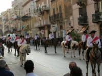 Festeggiamenti in onore di Maria Santissima dei Miracoli - Corso VI Aprile: corteo storico trionfale (fra Medioevo ed età Barocca) - 20 giugno 2005  - Alcamo (1450 clic)