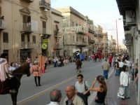 Festeggiamenti in onore di Maria Santissima dei Miracoli - Corso VI Aprile: corteo storico trionfale (fra Medioevo ed età Barocca) - 20 giugno 2005  - Alcamo (1583 clic)