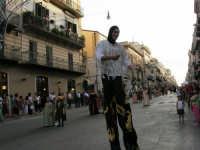Festeggiamenti in onore di Maria SS. dei Miracoli - Patrona di Alcamo - Corso VI Aprile - Corteo Storico a cura dell'Ass. Cavalieri di S. Giorgio - 20 giugno 2006   - Alcamo (1190 clic)