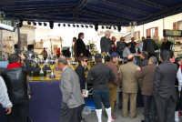 Festa di li Schietti - Piazza Duomo - sul palco, durante l'iscrizione alla gara dell'alzata dell'albero - 23 marzo 2008   - Terrasini (1989 clic)