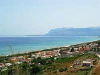 panorama del golfo di Castellammare da c/da Canalotto - 18 giugno 2006   - Alcamo marina (2006 clic)