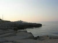 un tratto di costa e l'Isola delle Femmine - 25 aprile 2007  - Isola delle femmine (1778 clic)