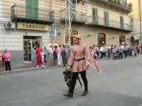 Festeggiamenti in onore di Maria SS. dei Miracoli - Patrona di Alcamo - Corso VI Aprile - Corteo Storico a cura dell'Ass. Cavalieri di S. Giorgio - 20 giugno 2006  - Alcamo (1136 clic)