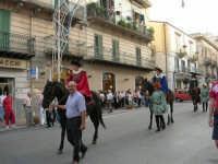Festeggiamenti in onore di Maria SS. dei Miracoli - Patrona di Alcamo - Corso VI Aprile - Corteo Storico a cura dell'Ass. Cavalieri di S. Giorgio - 20 giugno 2006   - Alcamo (1210 clic)