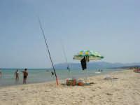 canne da pesca in riva al mare - 18 giugno 2006   - Alcamo marina (2705 clic)