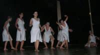 presso il Teatro Cielo d'Alcamo, il Saggio di danza, diretto da Rosanna Stabile - ARTE LIBERA - I Colori del mondo: LA PACE (foto 103)- 16 giugno 2007  - Alcamo (1000 clic)