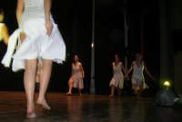 presso il Teatro Cielo d'Alcamo, il Saggio di danza, diretto da Rosanna Stabile - ARTE LIBERA - I Colori del mondo: LA PACE (foto 104)- 16 giugno 2007  - Alcamo (1057 clic)