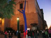 in piazza Ciullo, dinanzi alla Chiesa di S. Oliva - 10 maggio 2007  - Alcamo (1074 clic)
