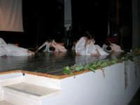Teatro Euro - Le ragazze della scuola di danza Arte Libera si esibiscono ne I Ricordi, prologo della conferenza tenuta dal Dott. Carmelo Impera sul tema Educare oggi giovani e famiglie - Un modello per promuovere l'agio e prevenire il disagio, organizzata dall'Opera Salesiana Don Bosco di Alcamo ed il Centro Socio-Psico-Pedagogico Carl Rogers - Comunità di Accoglienza Oasi Don Bosco di Ispica (RG) - 29 gennaio 2006   - Alcamo (1271 clic)