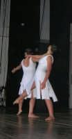 presso il Teatro Cielo d'Alcamo, il Saggio di danza, diretto da Rosanna Stabile - ARTE LIBERA - I Colori del mondo: LA PACE (foto 111)- 16 giugno 2007  - Alcamo (1020 clic)