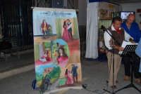Cous Cous Fest 2007 - Expo Village - itinerario alla scoperta dell'artigianato, del turismo, dell'agroalimentare siciliano e dei Paesi del Mediterraneo: il cantastorie Peppino Castro - 28 settembre 2007   - San vito lo capo (1154 clic)