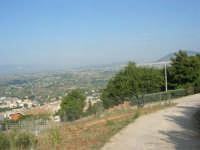 guardando verso Alcamo ed il monte Bonifato - 12 giugno 2007  - Castellammare del golfo (750 clic)