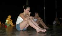 presso il Teatro Cielo d'Alcamo, il Saggio di danza, diretto da Rosanna Stabile - ARTE LIBERA - I Colori del mondo: LA PACE (foto 124)- 16 giugno 2007  - Alcamo (1076 clic)
