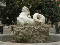 Piazza Lucatelli - fontana - 28 agosto 2009   - Trapani (2407 clic)