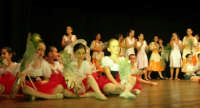 presso il Teatro Cielo d'Alcamo, il Saggio di danza, diretto da Rosanna Stabile - ARTE LIBERA - I Colori del mondo: LA PACE (foto 137)- 16 giugno 2007  - Alcamo (918 clic)