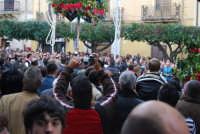 Festa di li Schietti - Piazza Duomo - la gara dell'alzata dell'albero - 23 marzo 2008   - Terrasini (2407 clic)