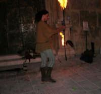 Festeggiamenti in onore di Maria SS. dei Miracoli - Patrona di Alcamo - Piazza Ciullo - Esibizione del Gruppo Storico dei Cavalieri di S. Giorgio - 20 giugno 2006   - Alcamo (1096 clic)