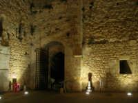 Castello arabo normanno - particolare del cortile interno - 2 gennaio 2009   - Salemi (2577 clic)
