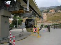 La stazione della funivia a valle - 2 agosto 2005  - Erice (1412 clic)