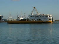 Il porto - 2 agosto 2005   - Trapani (1207 clic)