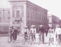 ciclisti in via Ruggero Settimo  - Palermo (3050 clic)