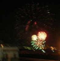 Festeggiamenti in onore di Maria SS. dei Miracoli - Patrona di Alcamo - C/da Sasi - Spettacolo di Giochi Pirotecnici - 21 giugno 2006  - Alcamo (1364 clic)