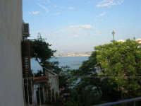 vista dal ponte: all'orizzonte Alcamo Marina - 12 giugno 2007   - Castellammare del golfo (691 clic)