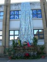 il presepe dell'I.C. Pascoli - 22 dicembre 2006  - Castellammare del golfo (847 clic)