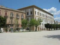 visita alla città - Piazza Angelo Scandaliato - 25 aprile 2008   - Sciacca (1046 clic)
