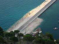 dal Belvedere: i lavori in corso al porto - 14 giugno 2007   - Castellammare del golfo (803 clic)