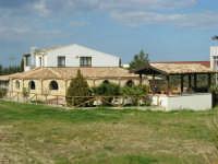 C.da Valle Nuccio - Visita al maneggio de Lo Sperone - Il ristorante - 19 febbraio 2006   - Alcamo (1475 clic)