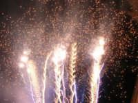 Festeggiamenti in onore di Maria SS. dei Miracoli - Patrona di Alcamo - Piazza Ciullo - Spettacolo Piromusicale - 19 giugno 2006    - Alcamo (1228 clic)