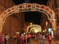 Festeggiamenti in onore di Maria SS. dei Miracoli - Patrona di Alcamo - Corso VI Aprile - Illuminazione straordinaria - 19 giugno 2006    - Alcamo (1311 clic)