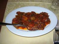 C.da Valle Nuccio - Ristorante Lo Sperone - La caponata di melanzane - 19 febbraio 2006  - Alcamo (2604 clic)