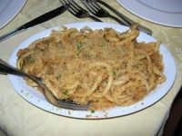 C.da Valle Nuccio - Ristorante Lo Sperone - La pasta con finocchi e sarde - 19 febbraio 2006  - Alcamo (20600 clic)