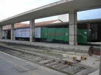 stazione ferroviaria - visita a IL TRENO DELL'ARTE -  Museo per un Giorno - (1) - 13 ottobre 2007  - Trapani (1508 clic)