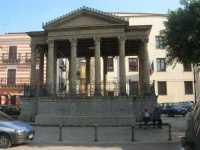 il chiosco o palchetto della musica in Piazza Garibaldi - 10 ottobre 2010  - Partinico (7639 clic)