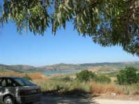 il Lago Arancio visto da Sambuca - 17 giugno 2007  - Sambuca di sicilia (1855 clic)