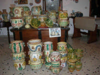 Cous Cous Fest 2007 - Expo Village - itinerario alla scoperta dell'artigianato, del turismo, dell'agroalimentare siciliano e dei Paesi del Mediterraneo - cuscusiere - 28 settembre 2007   - San vito lo capo (785 clic)