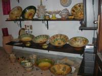 Cous Cous Fest 2007 - Expo Village - itinerario alla scoperta dell'artigianato, del turismo, dell'agroalimentare siciliano e dei Paesi del Mediterraneo - cuscusiere - 28 settembre 2007   - San vito lo capo (766 clic)